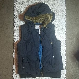 American Eagle Puffy Vest